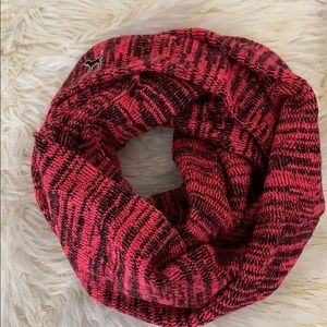 PINK vs infinity scarf